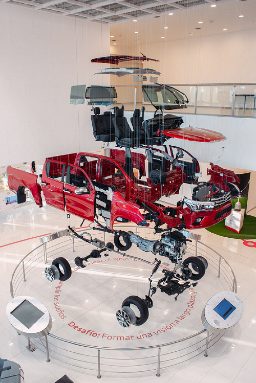 Artek-Stand-realizado-para-Toyota -01